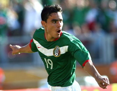PLAYER UPDATE  KANSAS CITY SIGNS MEXICAN INTERNATIONAL OMAR BRAVO